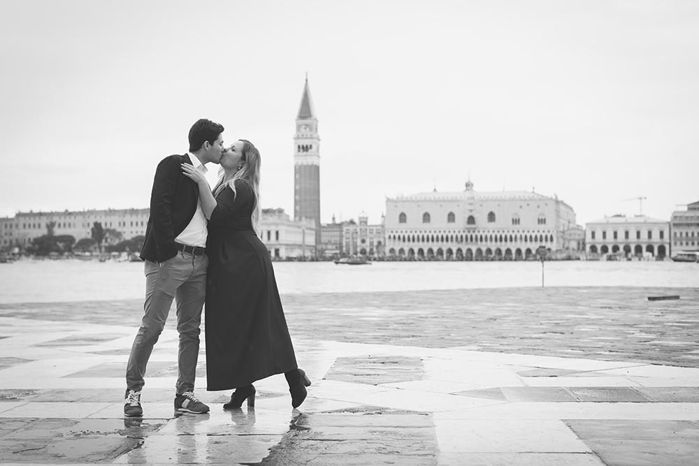 SERVIZIO FOTOGRAFICO ROMANTICO A VENEZIA